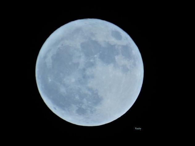 Buenas Noches Luna Llena, Turismo